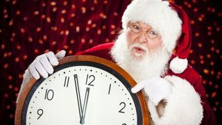 The_time_near_santa_clock_christmas_hd-wallpaper-1615958